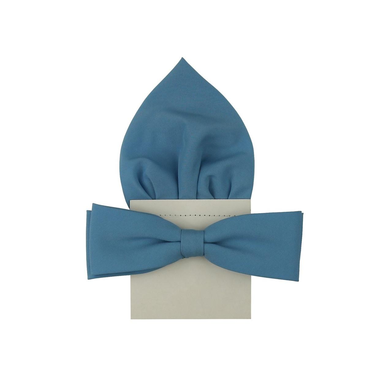 Světle modrý motýlek s kapesníčkem matný