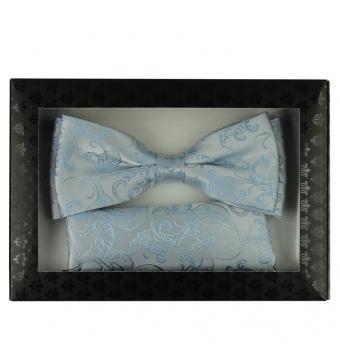 Světlé modrý pánský set Šle a květovaný Motýlek s kapesníčkem krabička