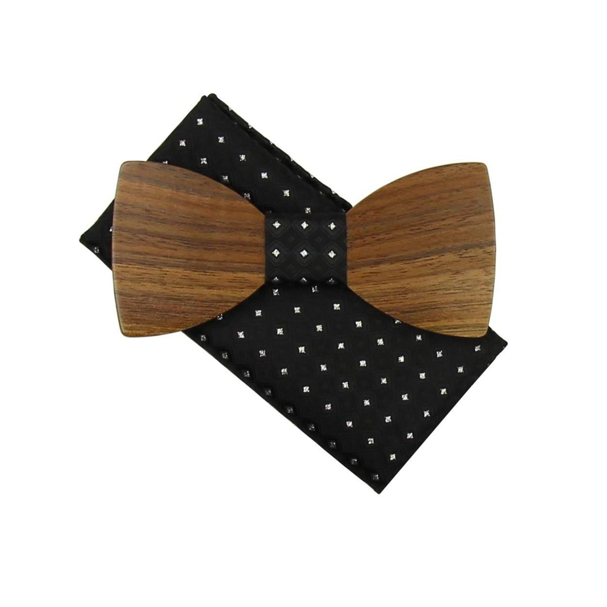 Černý dřevěný motýlek