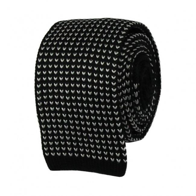 Černá pletená kravata s bílým vzorem