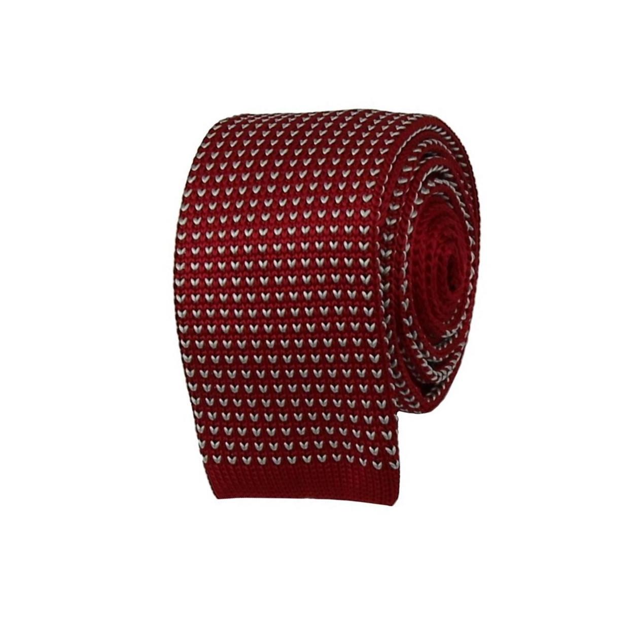 Červená pletená kravata s bílým vzorem