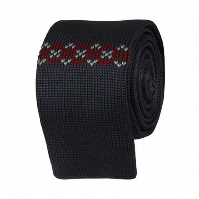 Šedá pletená kravata s bílo červeným vzorem