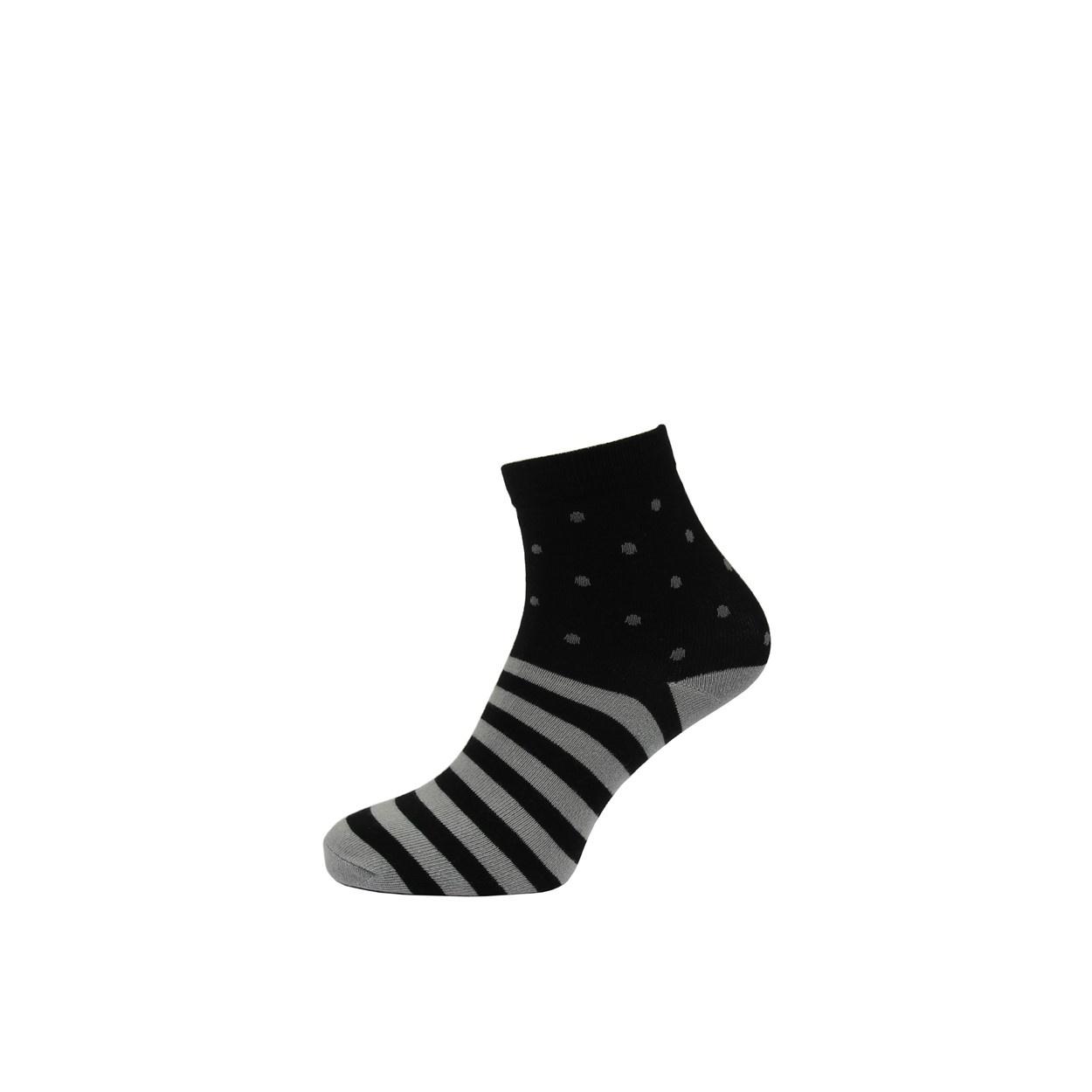 Černé pánské ponožky s šedými pruhy a puntíky